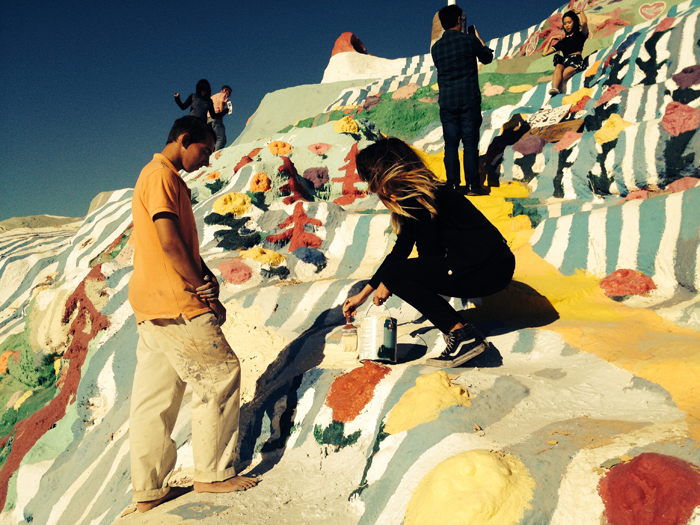 alissia painting salvation mountain