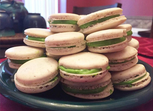 mint and honey macarons