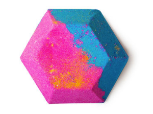 The promise of comforting scents mixed with vivid colours, this hexagon grabbed my 8-year-old's attention and was a lot of fun to watch!